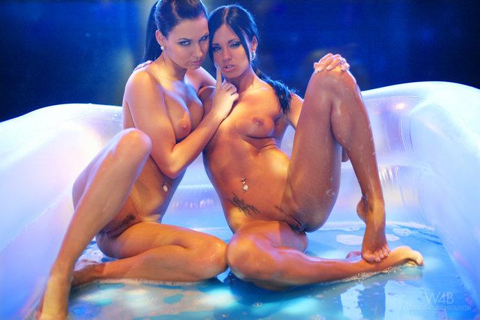 голые лизбьянки фото
