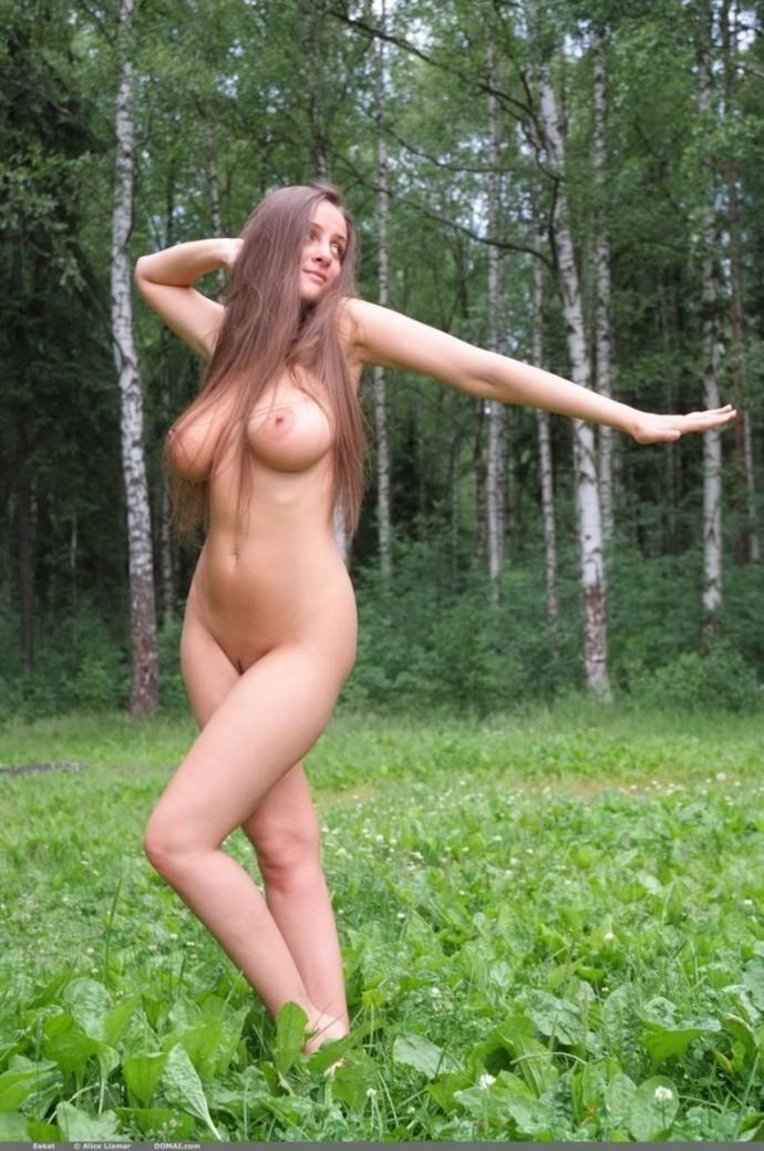 Русская женская голая грудь фото